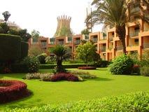 Le jardin de palais dans la ville photos libres de droits