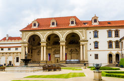 Le jardin du palais de Waldstein à Prague photographie stock