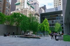 Le jardin principal de MoMA, musée d'art moderne à Manhattan, NYC Photo stock