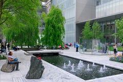 Le jardin principal de MoMA, musée d'art moderne à Manhattan, NYC Photos libres de droits