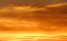 Le jaune modifie la tonalité le coucher du soleil Photos stock