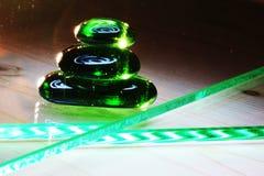 Le jeu de la lumière dans la pyramide en verre Image stock