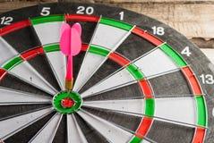Le jeu des dards Symbole de réussite Photos stock