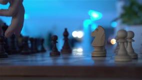 Le jeu simple d'échecs clips vidéos