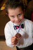 Le jeune champion. Photographie stock