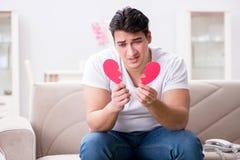 Le jeune homme dans le concept triste de valentine de saint Photographie stock libre de droits