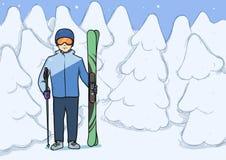 Le jeune homme se tenant avec la montagne skie au fond du sport d'hiver couvert de neige de forêt Illustration de vecteur Photographie stock
