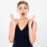 Le jeune portrait étonnant émotif de femme d'affaires a isolé l'AG photo stock
