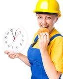 Le jeune travailleur de la construction va déjeuner Images stock