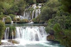 le jezera on stationnent des cascades à écriture ligne par ligne de plitvicka Photographie stock libre de droits