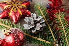 Le jouet d'arbre de Noël a modifié la tonalité le macro décor de célébration Photographie stock libre de droits