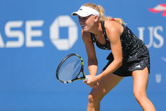 Le joueur de tennis professionnel Caroline Wozniacki pratique pour l'US Open 2014 Photo stock