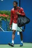 Le joueur de tennis professionnel Gael Monfis des Frances entre dans Arthur Ashe Stadium avant son match 2016 de quart de finale  Photographie stock