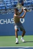 Le joueur de tennis professionnel Jerzy Janowicz pratique pour l'US Open 2013 chez Louis Armstrong Stadium Images libres de droits