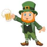 Le jour de St Patrick de bande dessinée, lutin avec de la bière de tasse Images libres de droits
