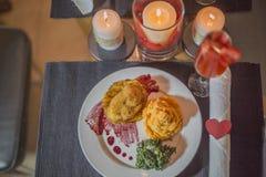 Le jour de ValentineÂ, la scène de dîner et l'amour Photos libres de droits