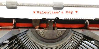 Le jour de Valentins écrit de machine à écrire avec l'encre rouge Images libres de droits