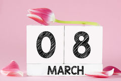 Le jour des femmes avec la fleur de tulipe Photos stock