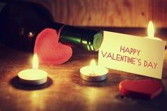 Le jour du ` s de Valentine mire le vin Images stock
