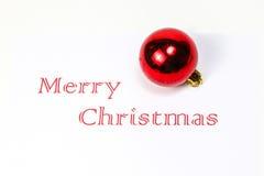 Le Joyeux Noël avec l'espace blanc d'ornement de boule de décoration souhaite Images stock