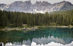 Le Karersee, Italie Photos stock
