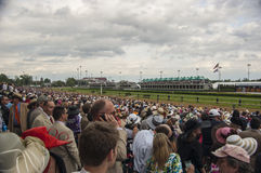 Le Kentucky Derby Crowd chez Churchill Downs à Louisville, Kentucky Etats-Unis Photographie stock