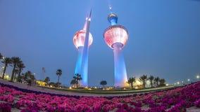 Le Kowéit domine le jour au timelapse de nuit - le point de repère le plus connu de Kuwait City Le Kowéit, Moyen-Orient clips vidéos