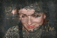 Le kvinnan med vinexponeringsglas, text i foto Arkivbild