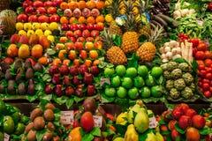 Le légume et le fruit calent en Mercat de la Boqueria Photos stock