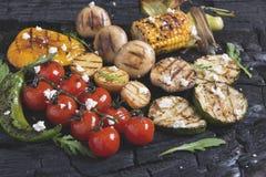 Le légume a grillé des champignons de pommes de terre de maïs de paprika de poivre de tomates Images libres de droits
