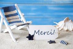 Le label d'été avec la chaise de plate-forme, Merci Menas vous remercient image stock