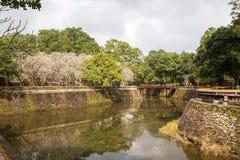 Le lac à la tombe de Khiem du TU Duc en Hue Vietnam photographie stock libre de droits