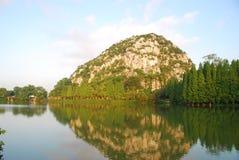 Le lac 2 star (à Zhaoqing, en Chine) Photo libre de droits