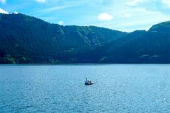 Le lac Ashi dans le jour nuageux, le mont Fuji n'est pas évident Image stock