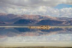 Le lac au Thibet Photographie stock