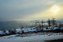 Le lac Baikal Un coucher du soleil d'hiver Photo libre de droits