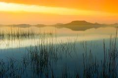 Le Lac Balaton après coucher du soleil Photos libres de droits
