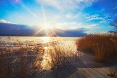 Le Lac Balaton congelé en Hongrie photo stock
