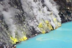 Le lac d'acide sulfurique Images libres de droits