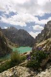 le lac du Kyrgyzstan de kelsu oscille la vue Images stock