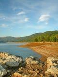 Le lac du mavrovo Photographie stock