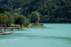 Le lac frais et clair de Barcis photos libres de droits