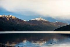 Le lac Guillelmo se repose près de la villa Mascardi, Bariloche, Patagonia, Argentine Image libre de droits