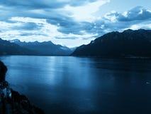 Le Lac Léman au crépuscule image libre de droits