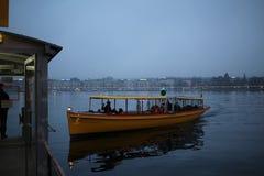 Le Lac Léman sombre Photo libre de droits