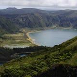 Le lac Lagoa font Fogo sur l'île de Miguel de sao Images libres de droits