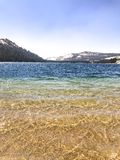 Le lac magique Tenaya rempli de couleurs vibrantes photos stock
