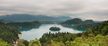 Le lac a saigné, la Slovénie Image stock