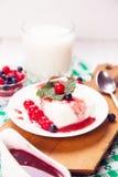 Le lait caillé est dessert photographie stock