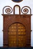 le laiton de canarias de Lanzarote Espagne a fermé le mur en bois ab d'église Photographie stock